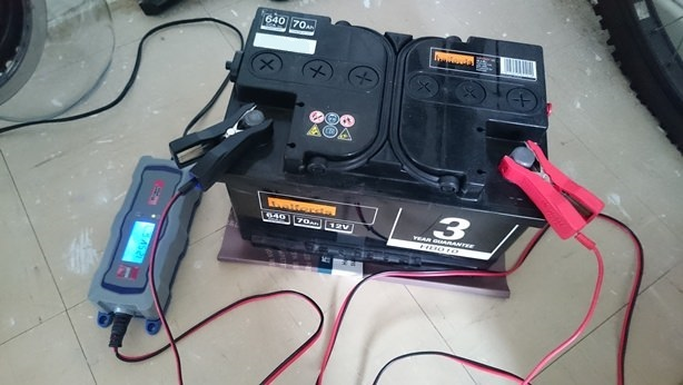 CO car battery